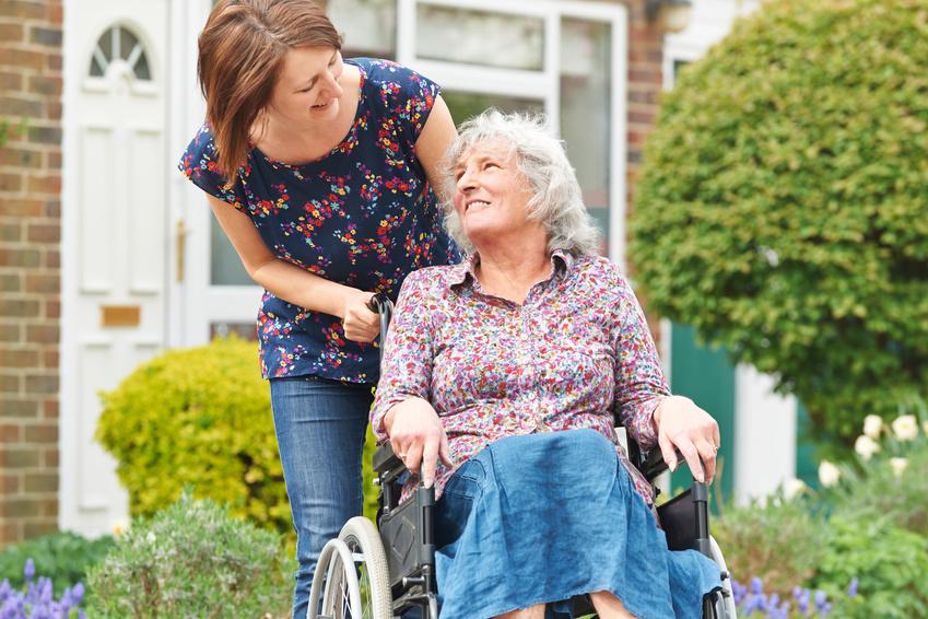 stundenweise seniorenbetreuung zu hause gesucht 24h pflege. Black Bedroom Furniture Sets. Home Design Ideas